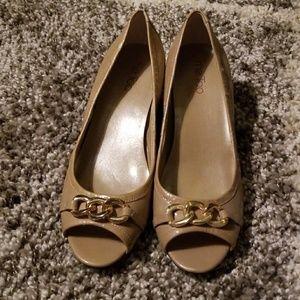Low high heels